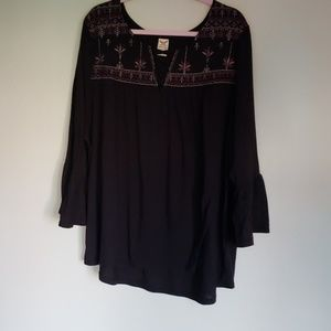 Faded Glory Black Top Sz 4X.  3/4 Bell Sleeves